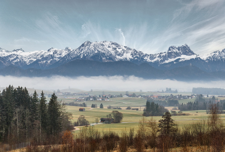 с высоких гор спускается туман / riabina