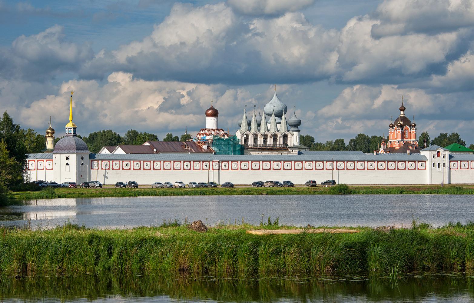 тихвинский монастырь как добраться магазина