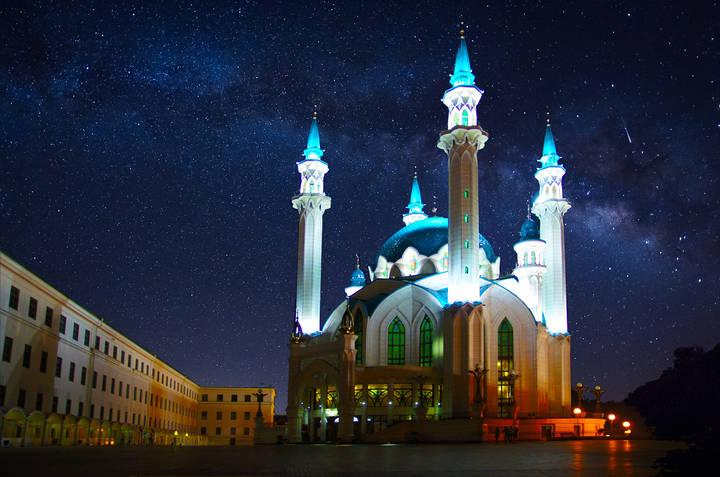 кул шариф фото ночью свободный полёт растягивает