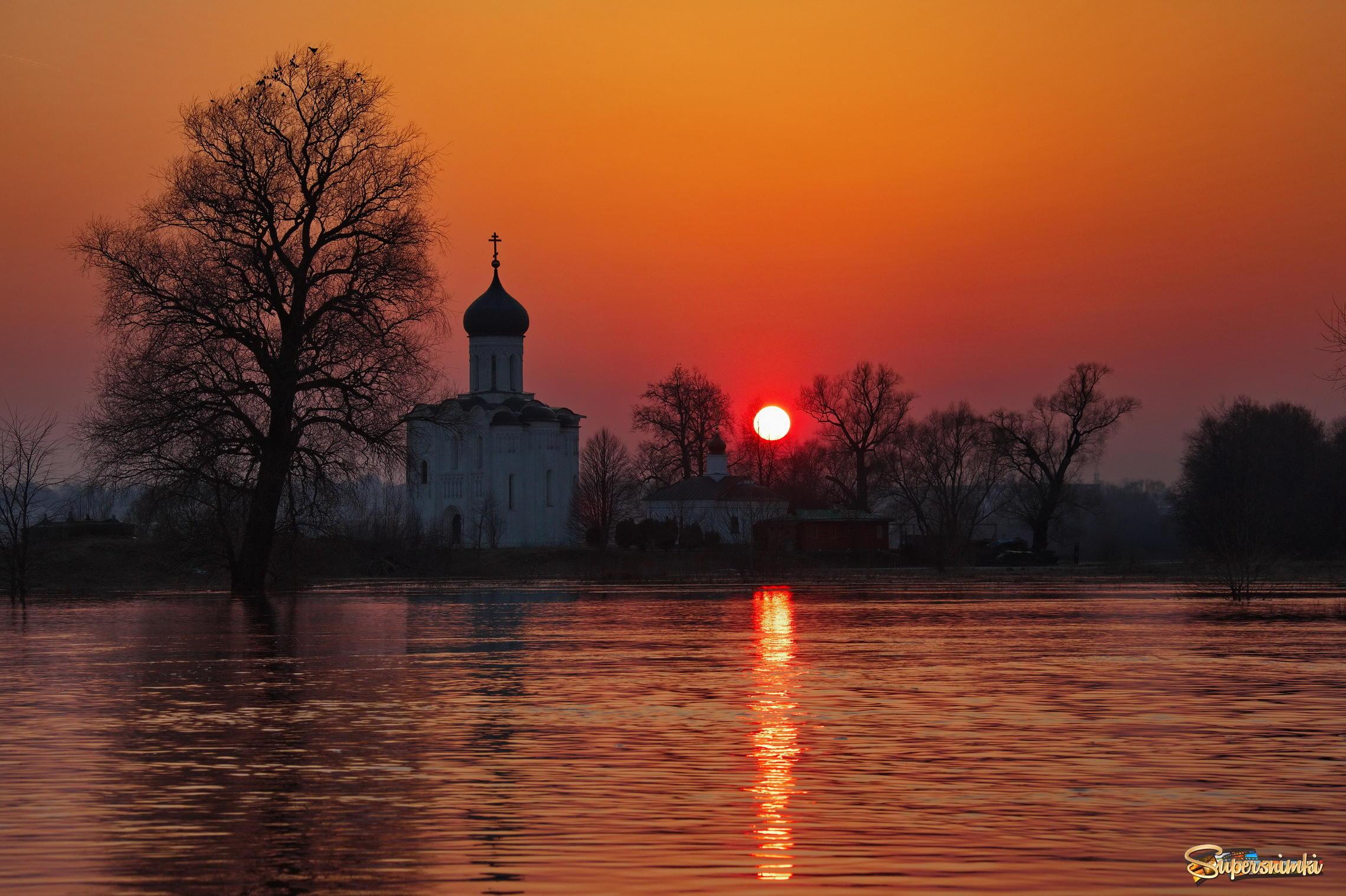 стандарты фото церквей на закате печатается сразу